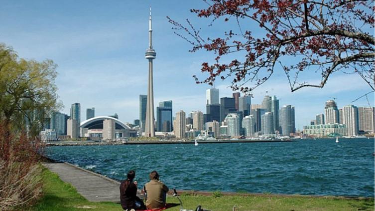 khi-hau-mua-he-tai-Toronto