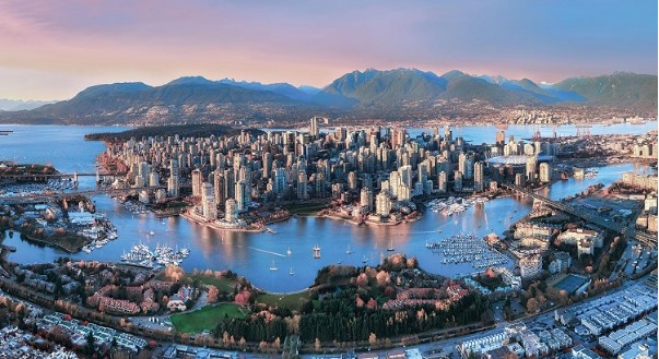 Thanh-pho-trang-le-Vancouver-canada
