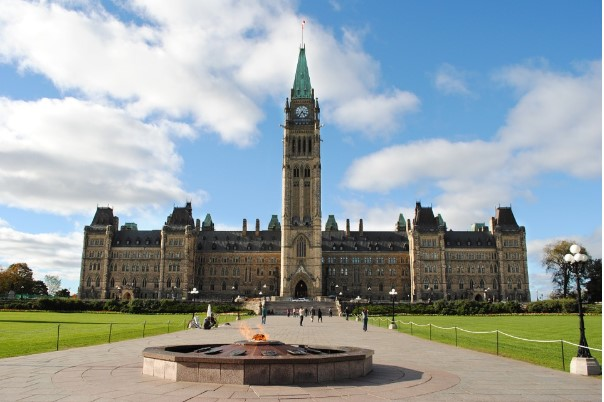 Parliament-Hill-thu-do-canada