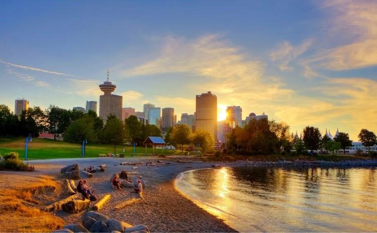 thoi-tiet-mua-he-Vancouver-dep-diu-dang-trong-hoang-hon