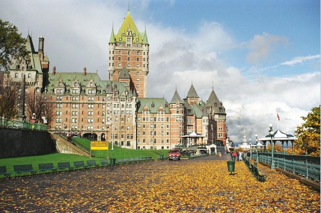Quebec-thu-hut-nhieu-sinh-vien